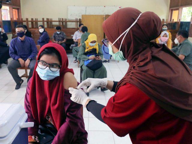 Menko Airlangga Sebut 13,4 Juta Dosis Vaksin Telah Disuntikkan
