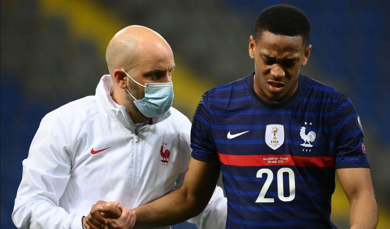 Akhirnya, Pemain Malas Ini Kembali Berlatih Bersama Man Utd Usai Absen Sejak Maret - Gilabola.com