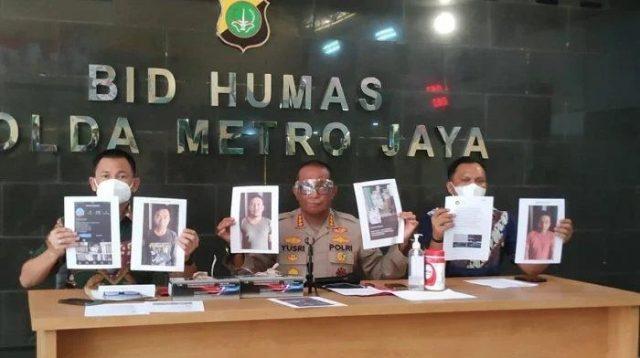 Kabid Humas Polda Metro Jaya Kombes Yusri Yunus memaparkan kasus penipuan tabung gas oksigen. Foto: Tribunnews